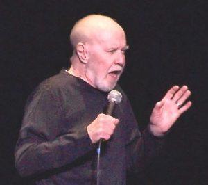 George Carlin (um idoso engraçado)