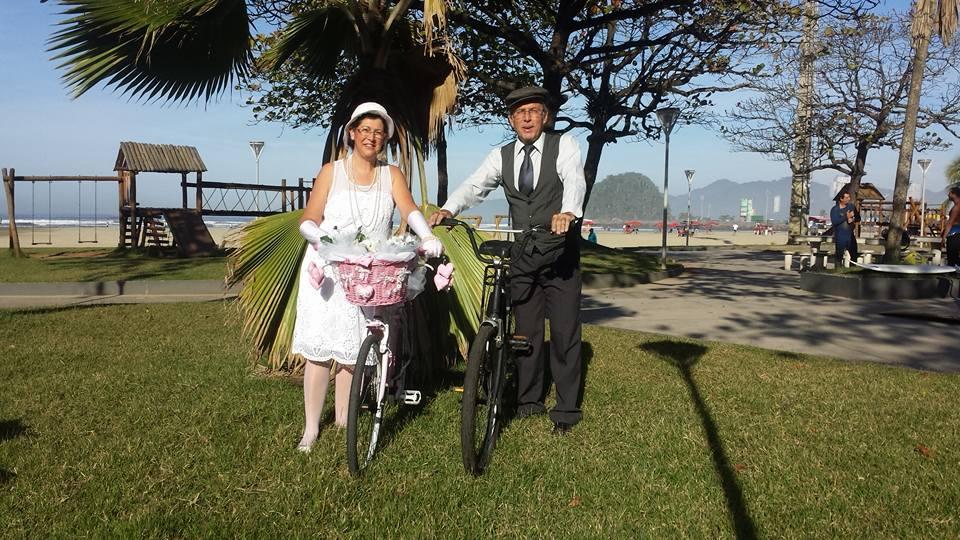 Walter e Márcia Lemos - passeio retro em Santo, SP.