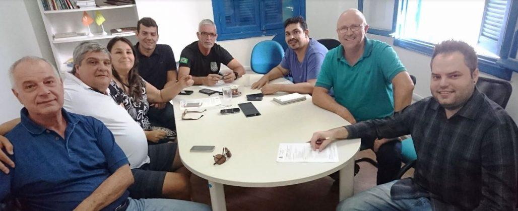 Grupo de trabalho reunido na SECTUR